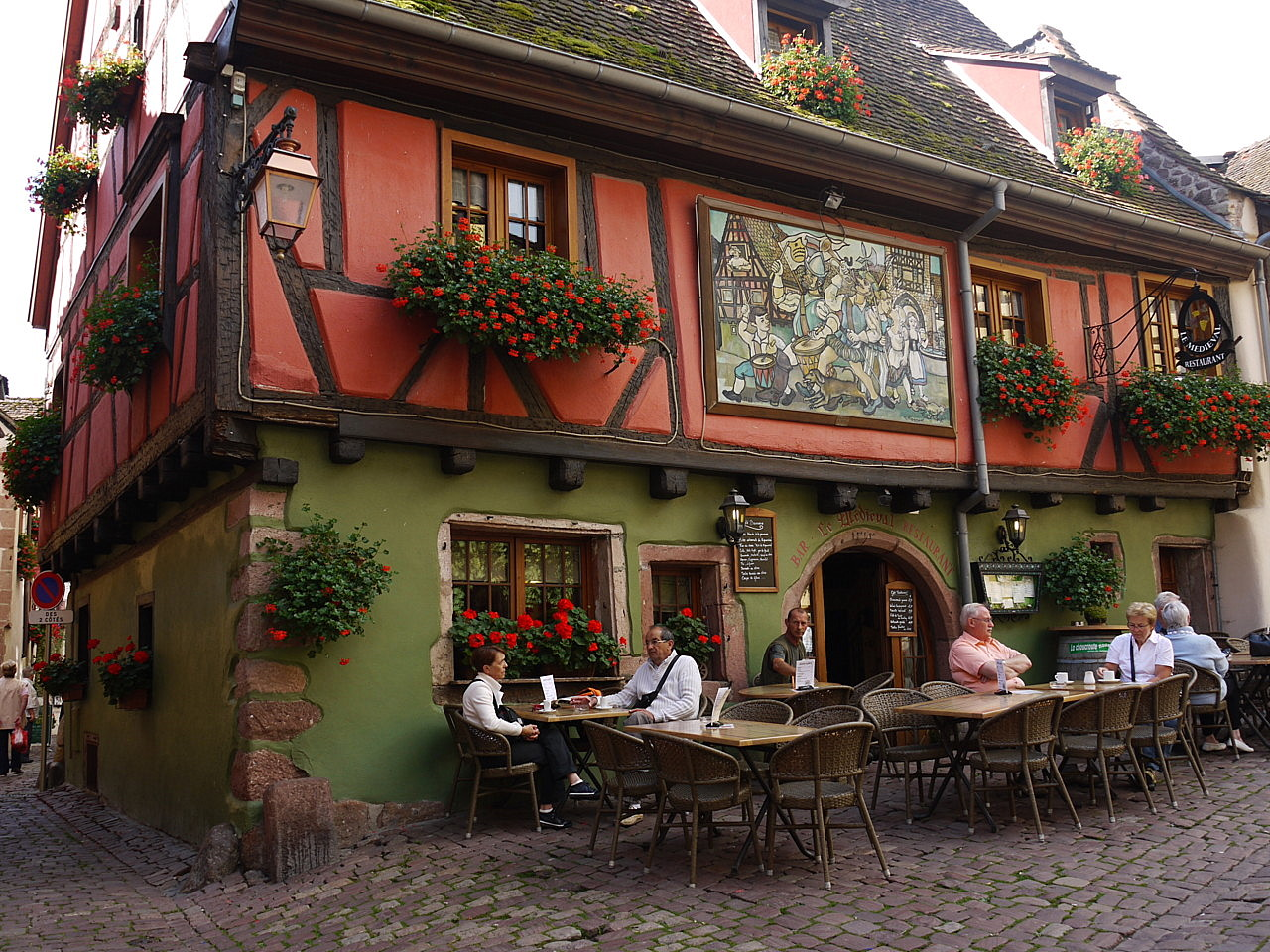 Riquewihr travel photo Brodyaga.com image gallery: France, A